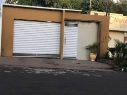 Alugo uma casa em Itacoatiara