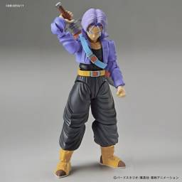 boneco do trunks do futuro