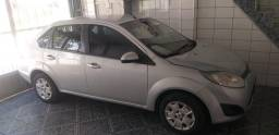 Vendo Fiesta 1.6 completo 2013 carro leilão no documento