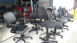 Título do anúncio: Cadeiras em lotes e em varejo