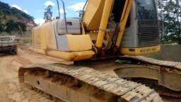 Escavadeira newholland 215 de 22 toneladas