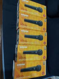 Título do anúncio: Kit 5 Microfone Shure Sv200 Original Nota Fiscal Com Cabo