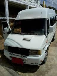 Vende-se ou troca uma van Iveco valor 23000 entrar em contato com Marcelo n *