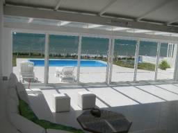 Linda casa a beira mar na Praia de Jacumã