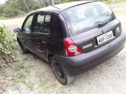 Cliu 2004 completo troco pôr carro legalizado baixo COM AR CONDICIONADO - 2004