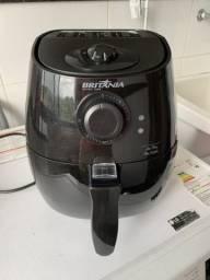 Fritadeira Elétrica Britânia Air Fry Pró Saúde - Preta