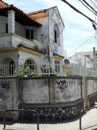 """"""" Barra - Alugo casa em ótima localização próxima ao Shopping para residência ou comércio"""