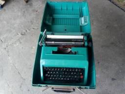 Maquina de escrever antiga perfeita valor $ 170 . waths 41 999075420