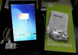 """Tablet Samsung Tab E 8GB - 3G - Função Celular - Tela 9.6"""" Android 4.4 Quad-Core"""
