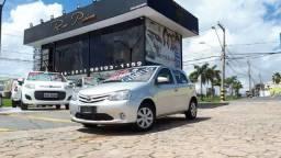 Toyota etios x 1.3 completo - 15/16 - troco e financio - ipva 2019 pago - 2016