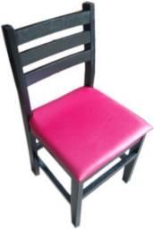 Promoção de Cadeira Estofada e Envernizada