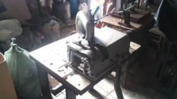 Máquinas costura sapateiro.