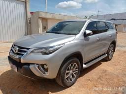 Toyota Hilux SW4 SRX ano 2016