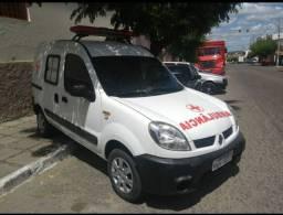 Ambulância Renault Kangoo furgão