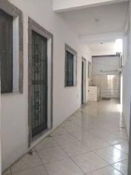 Alugo casa 2 quartos sala voz e banheiro