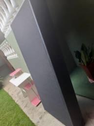 Box cama de solteiro com rodinhas em couro preto
