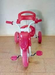 Vende-se Triciclo Infantil com Empurrador e Cobertura!