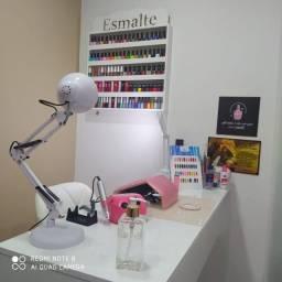 Título do anúncio: Vaga manicure com experiência em esmalteria