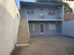 Casa com 2 apartamentos de 90m2 cada mobiliado + espaço comercial.