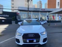 Audi Q3 1.4T, couro caramelo, teto panorâmico 2017