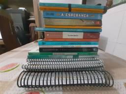 Livros novos e semi-novos. (Doação)