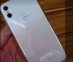 Título do anúncio: Motorola One e iPhone