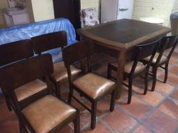 Mesa jantar antiga