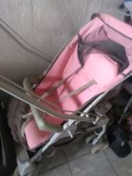 Carrinho de bebê e andajar