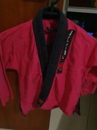 Título do anúncio: Kimono Koral infantil feminino rosa e preto, tamanho M2 em excelente estado.