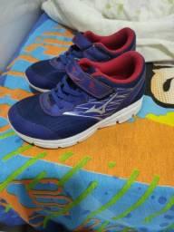 Tênis Mizuno e Adidas
