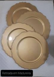 Título do anúncio: Kit 4 sousplat dourado plástico