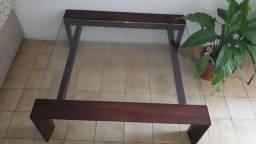 Centro em madeira e vidro pra sala de estar