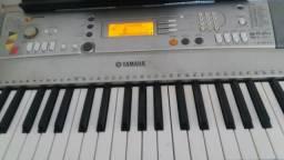 Teclado Yamaha PSR E303