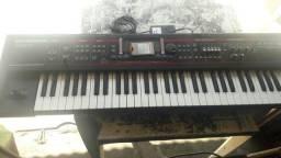 Teclado Roland Juno -G