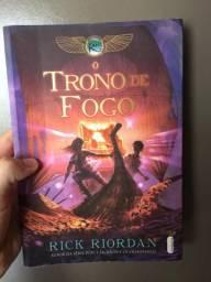 Livro : O TRONO DE FOGO