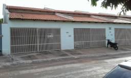 Duas excelentes casas situadas no Residencial Dourado no Centro de Gurupi-TO, com 2 suítes