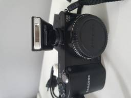 Câmera Digital Samsung NX1000 Preta