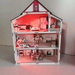 Casa Casinha Com Led +32 Moveis +1 Boneca Barbie 12cm Alt