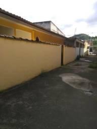 Aluga-se casa com cômodos amplo próximo ao centro de Campo Grande