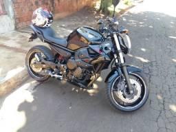 XJ6 Yamaha - 2012