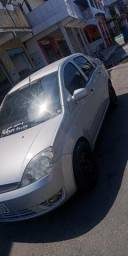Ford Fiesta Sedan 2005 1.6 - 2005