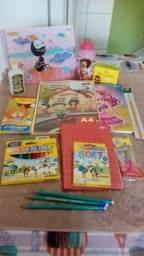 Kit creche e kit de material escolar