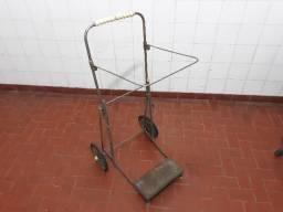 Lindo , antigo e raro carrinho para transporte em metal