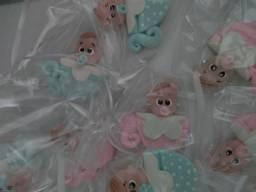 25 lembrancinhas imã / chaveiros a 40,00 trabalho com biscuit diversos , pronta entrega