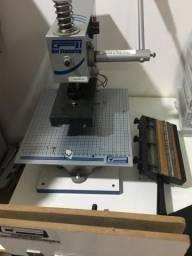 Máquina hot stamp com 2 kits de tipos(letras)e muitas capas