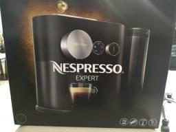 Maquina Nespresso Expert C80