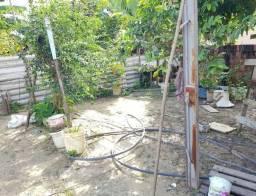 Casa com 03 Quartos / Casa com Quintal / Bairro Novo Aleixo