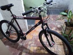 Bicicleta aro 26, 21 marchas.
