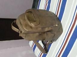 Vendo uma mochila