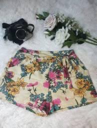 Bermuda floral com laço